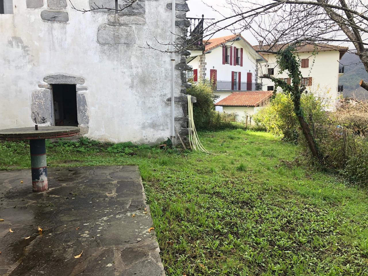 en Arantza! Navarra,A 33 minutos de Irun, ideal para desconectar, entorno rural, te gustara!!Informate!!