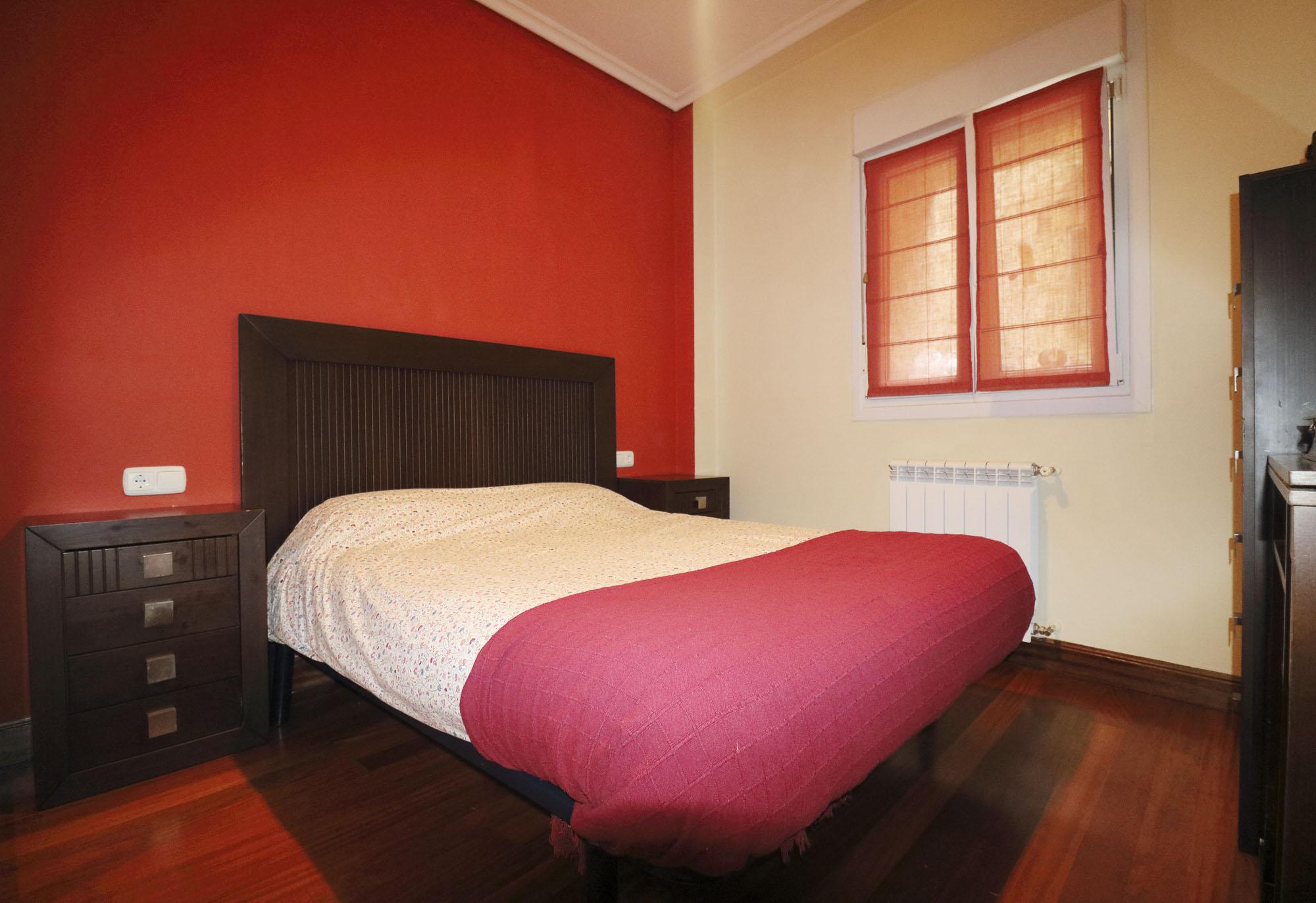 En San Miguel,zona estacion, para entrar a vivir! 2 habitaciones, salon,cocina equipada americana ,baño y trastero.Interesante!!!!