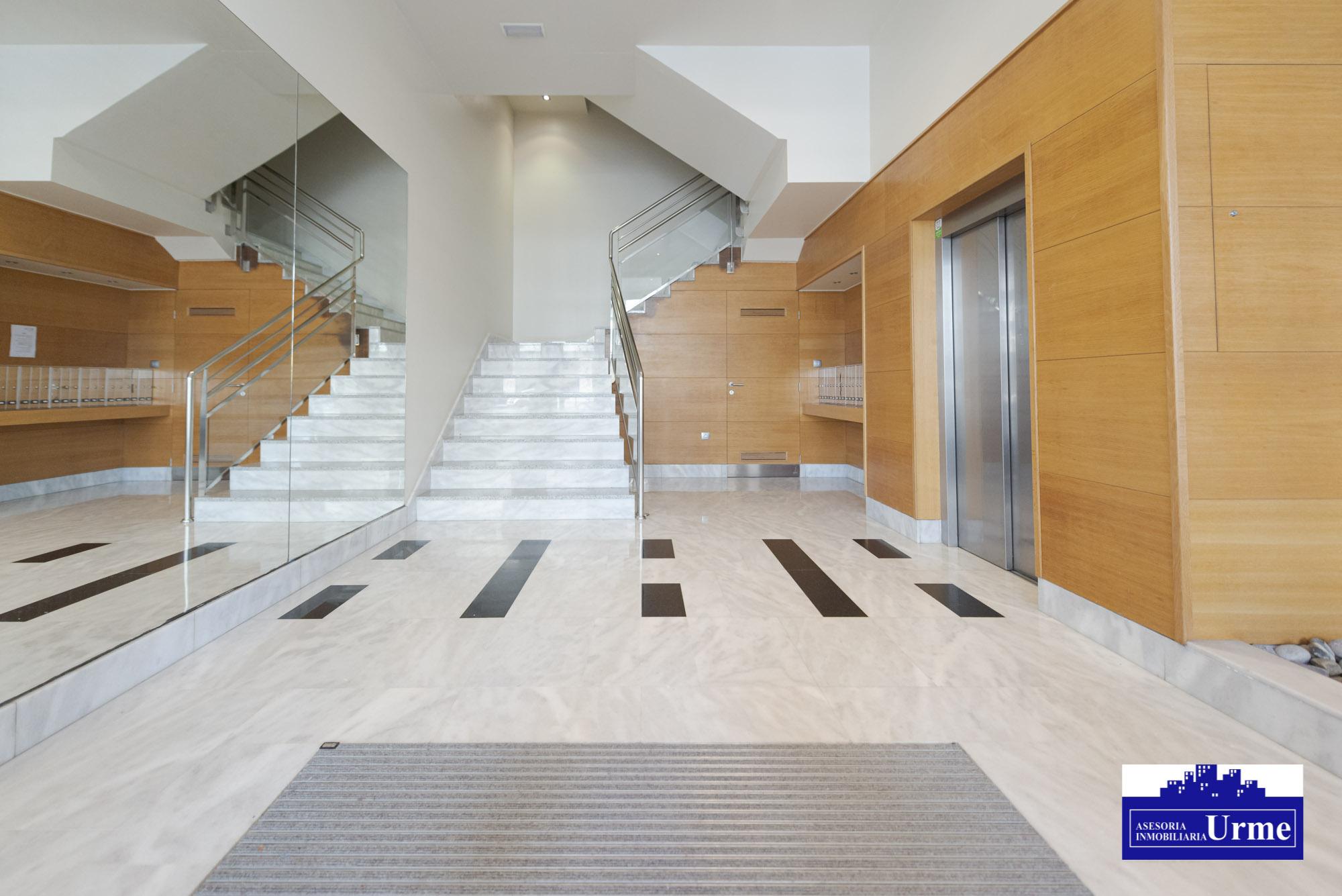 En Donostia!! Riveras de Loiola, Ultima planta, vistas despejadisimas, amplias terrazas, 3 dormitorios, salon,cocina y dos baños.Garaje en el edificio.Impresionante!!I!!!!!
