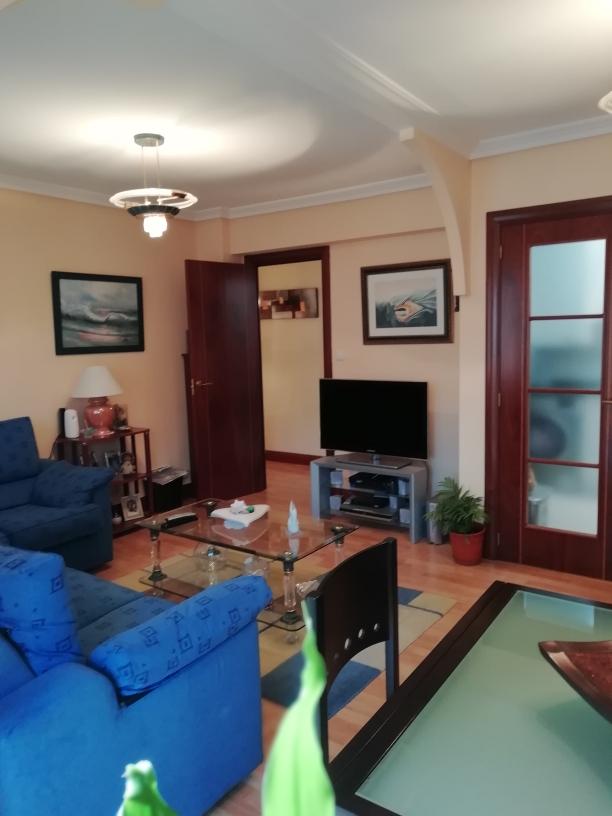 En Anaka 3 dormitorios, gran salon,cocina equipada y baño.Exterior.Visitalo!!