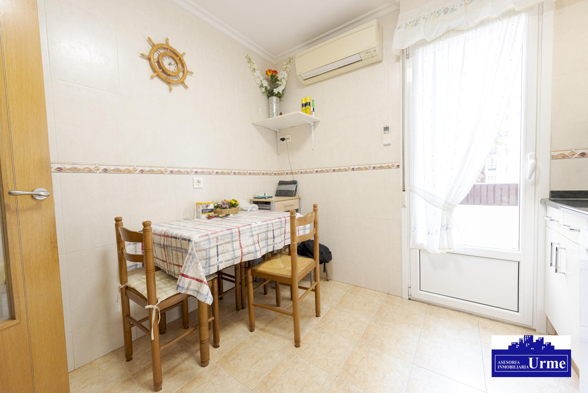San Miguel, exterior, 3 habitaciones, salon,cocina y baño.Ascensor.Calefaccion a gas.Pintura lisa.Para entrar, informate!!!