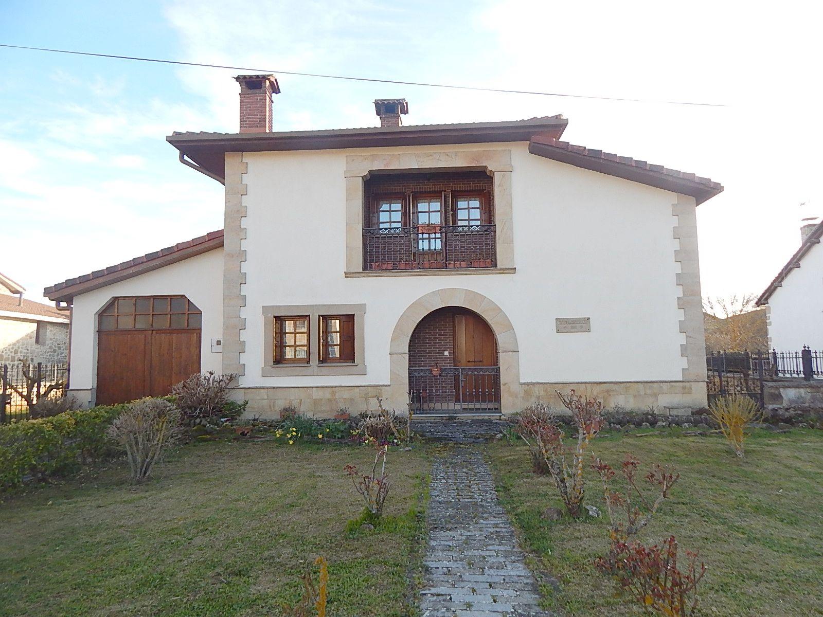 El hogar perfecto,casa individual en parcela de 650m2 con arboles frutales,.3 dormitorios, salon,cocina equipada y dos baños.