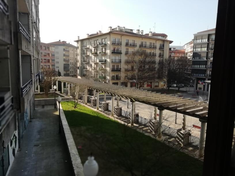 En el barrio de San Miguel,piso amplio,4 dormitorios,2 baños,cocina ...