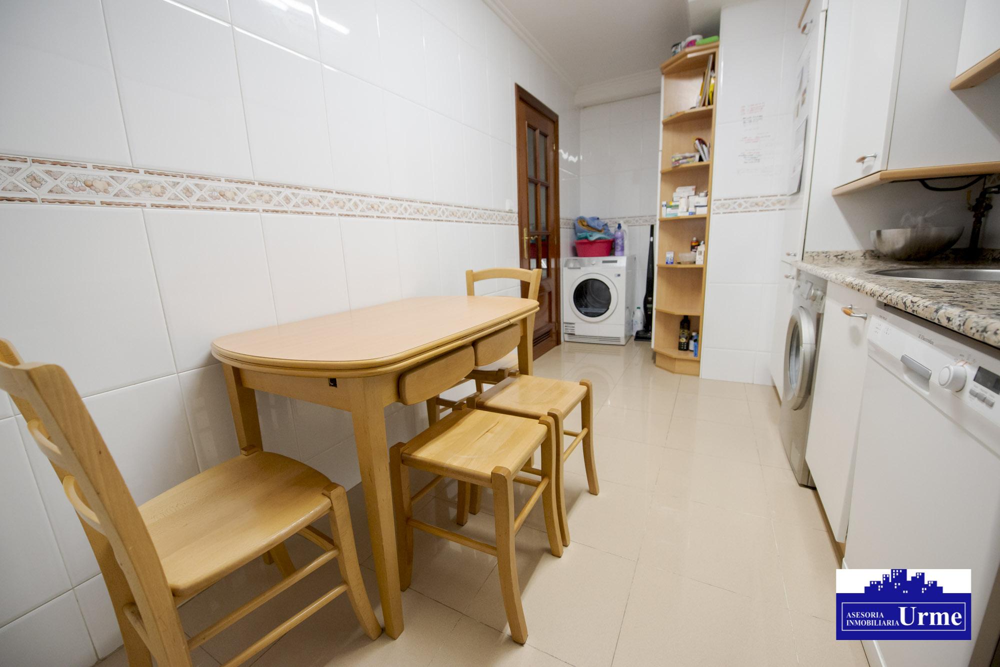 Te gustara!! en Puiana, 2 habitaciones, salon majo, cocina equipa y baño.Parking y trastero.Perfecto!!