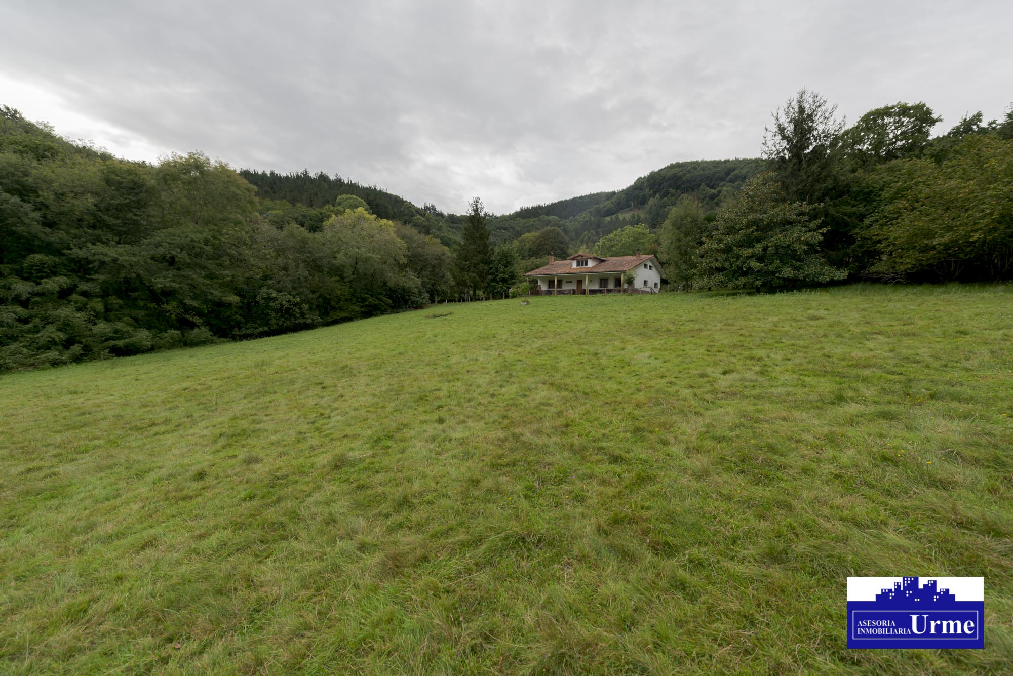 Buscas una villa en un entorno rural? te presentamos esta villa ubica...