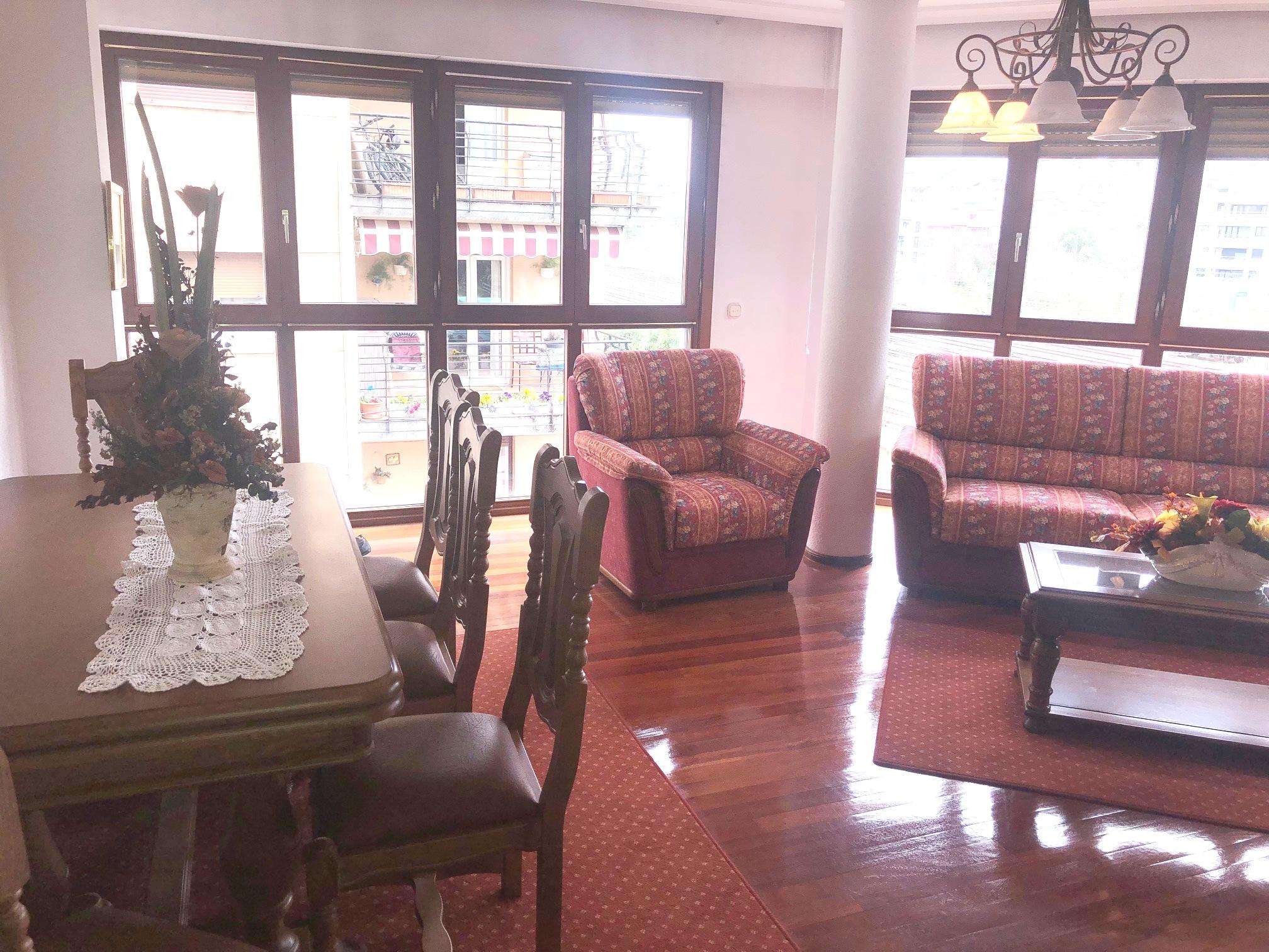 Amplitud y confort en el centro de Irun!!