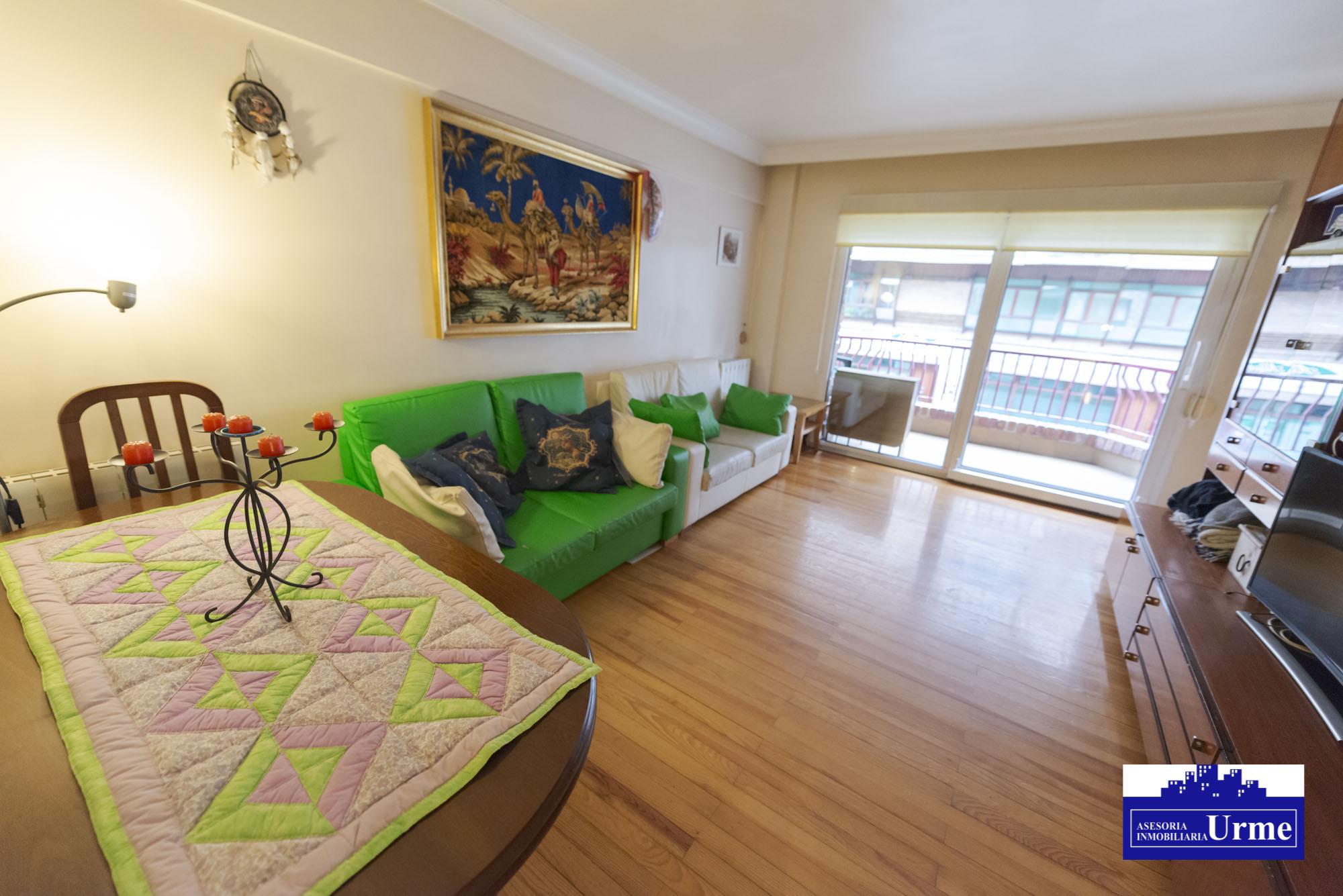 Centrico,zona fronton Uranzu,Duplex, 4 dormitorios, gran salon, cocina equipada,dos baños.Soleado!!!