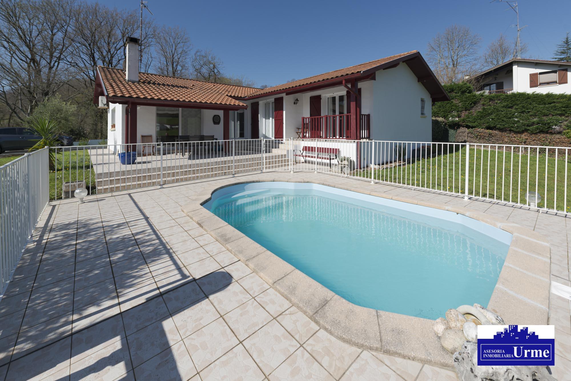 En Biriatou,villa individual en una unica planta! piscina,vistas mont...