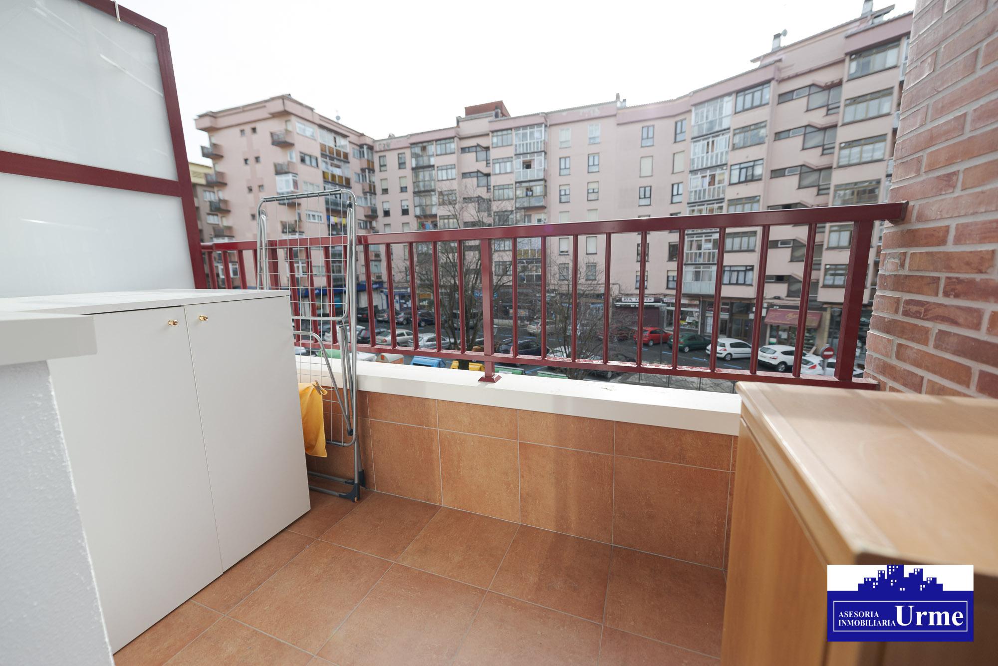 En San Miguel.Como nuevo! exterior,85 m2 utiles + 2 balcones. Graje OPCIONAL.Ven a conocerlo!!