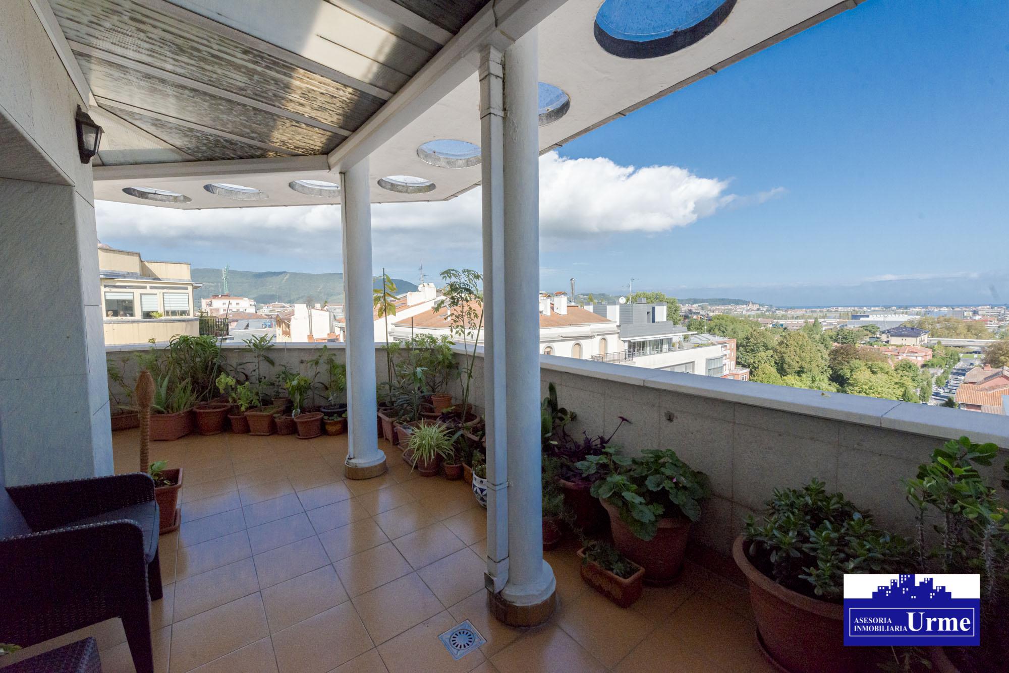 Atipico!!ultima planta,vistas sensacionales, terraza de 45m2,5 habita...