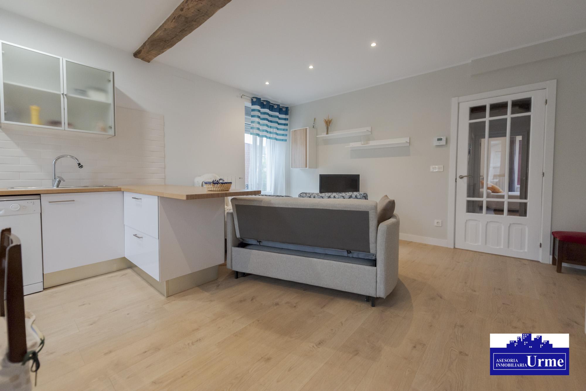 Moderno y funcional.80 m2, 3 dormitorios, exteriores, salon,cocina abierta tipo americana y baño con ducha.Perfecto!!