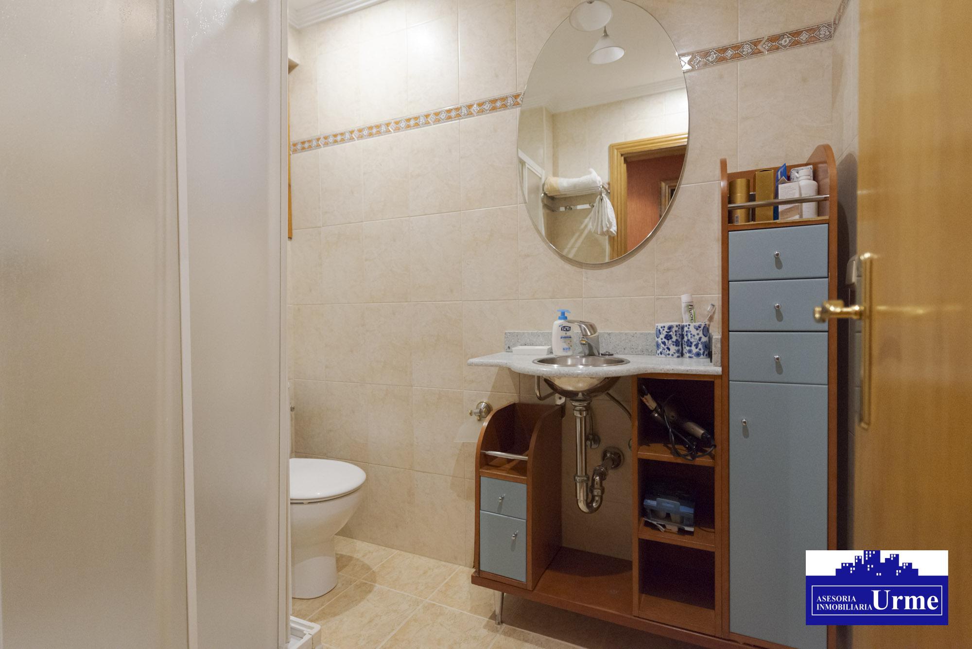 En Paseo Colon,3 habitaciones, dos baños, salon,cocina equipada (2 años).Balcon! Informate
