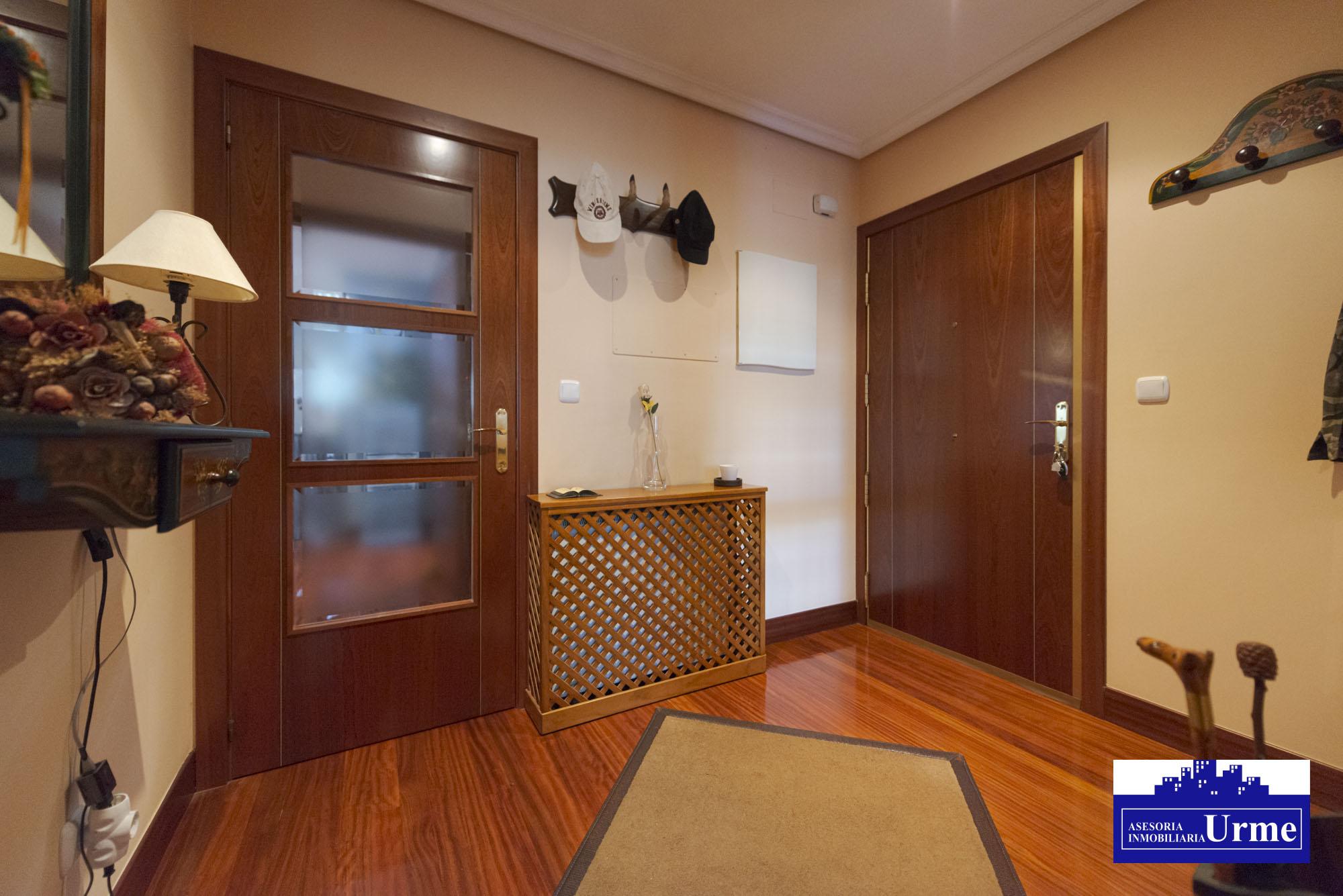 En Auzolan, vivienda con gran terraza y garaje cerrado!! En perfecto estado.Ideal.Ven a visitarla!!