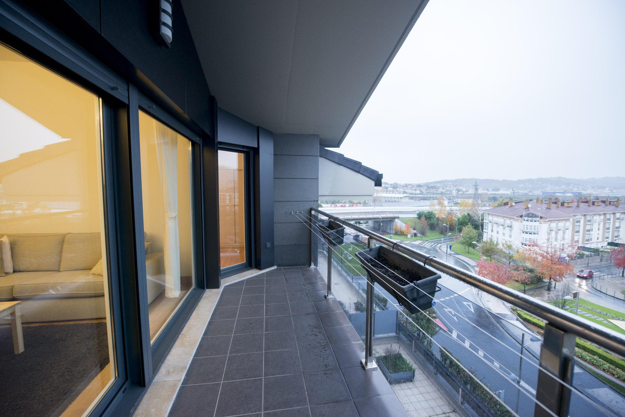 Interesante!!!En zona Mendibil,con terraza y garaje en el edifiico...
