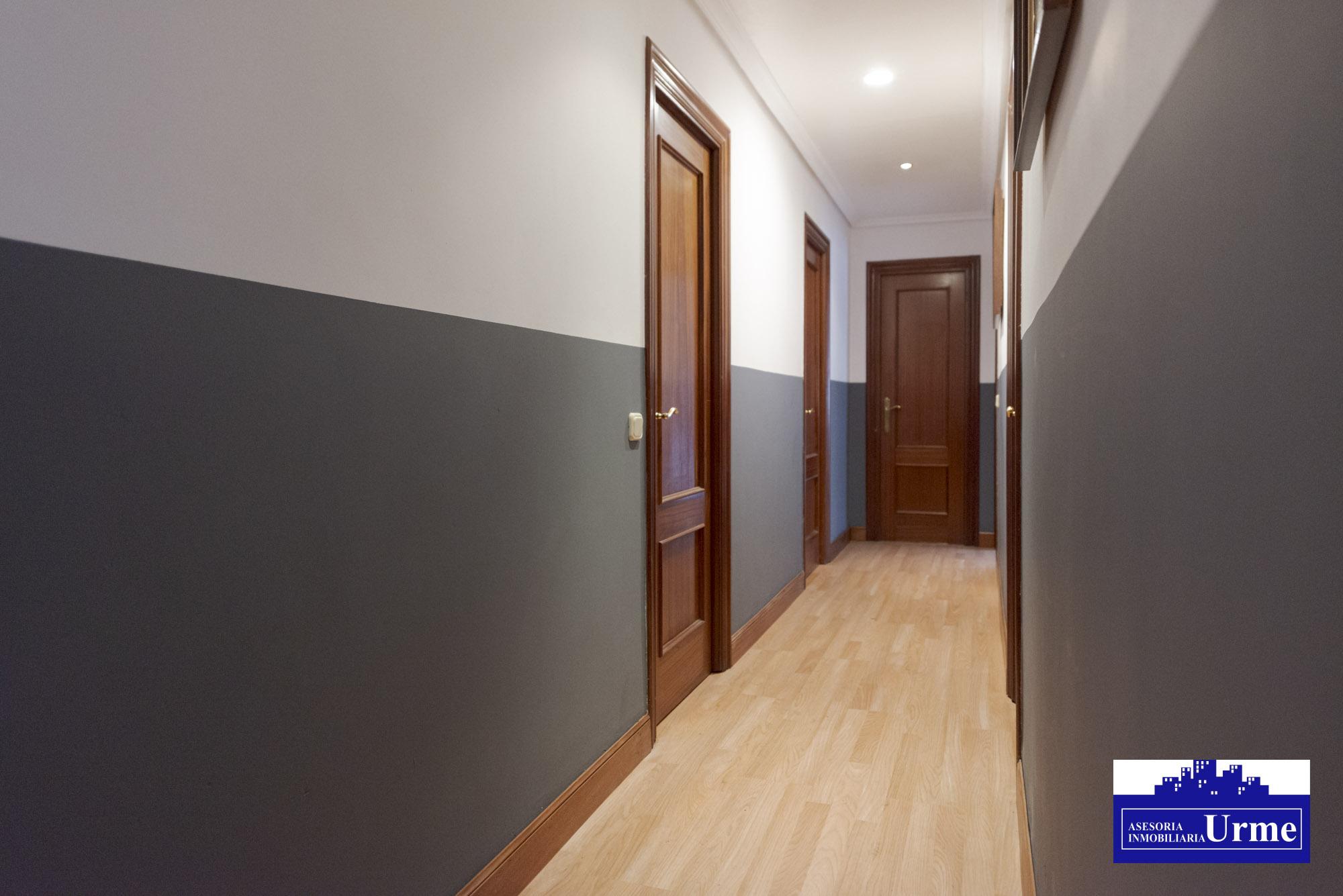 Nuevo Precio!!En Paseo de Colon,sin barreras arquitectonicas, 84m2 +Terracita!3 habitaciones,salon,cocina equipada y baño. Ven a visitarlo!!