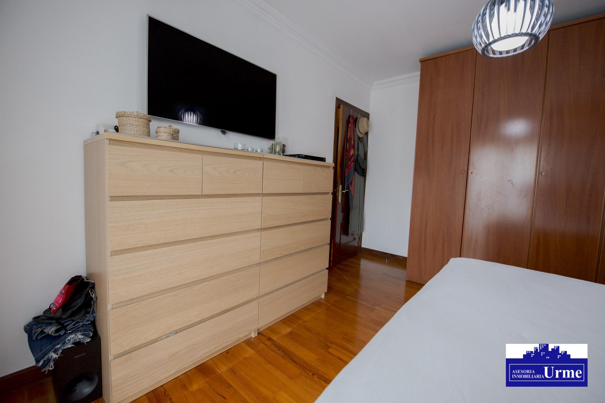 Zona Ventas, estupenda vivienda,en comunidad de 4 unicos vecinos, sin apenas cargas, garaje opcional,Informate.